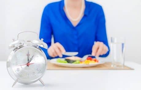 לרדת במשקל בלי דיאטה – איך להצליח לא לאכול יותר מדי בארוחה